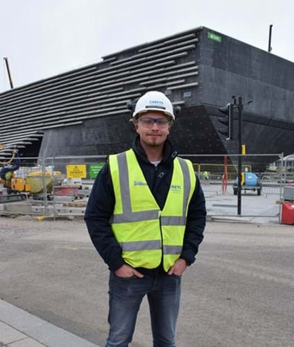 Student hails 'greatest opportunity' at V&A site